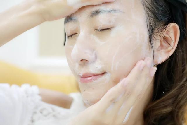 Những ngày hanh khô, chỉ riêng việc đắp mặt nạ dưỡng da bạn cũng cần tuân thủ 6 tips cơ bản này-1