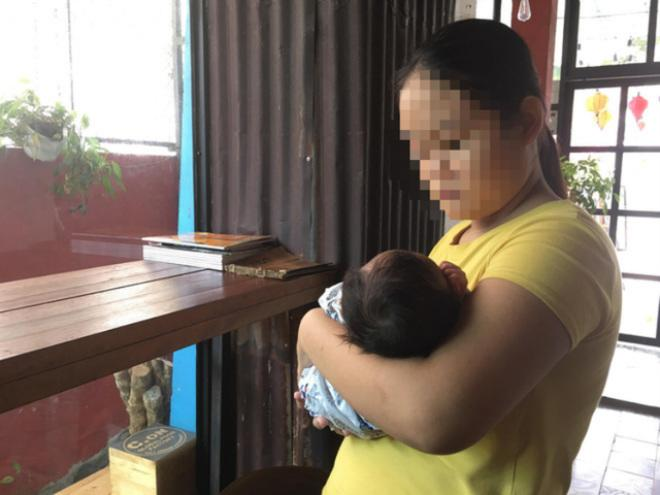 Cuộc đời buồn tủi của bé gái 13 tuổi bị ép quan hệ tình dục đến sinh con-1
