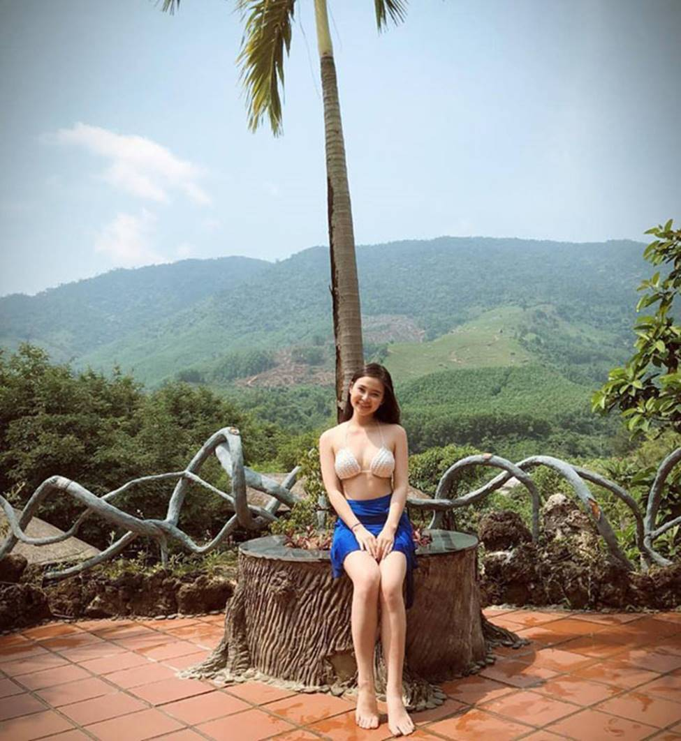 Hot girl Đà Nẵng và cô em út họ Hồ đẹp xuất sắc với bikini-9