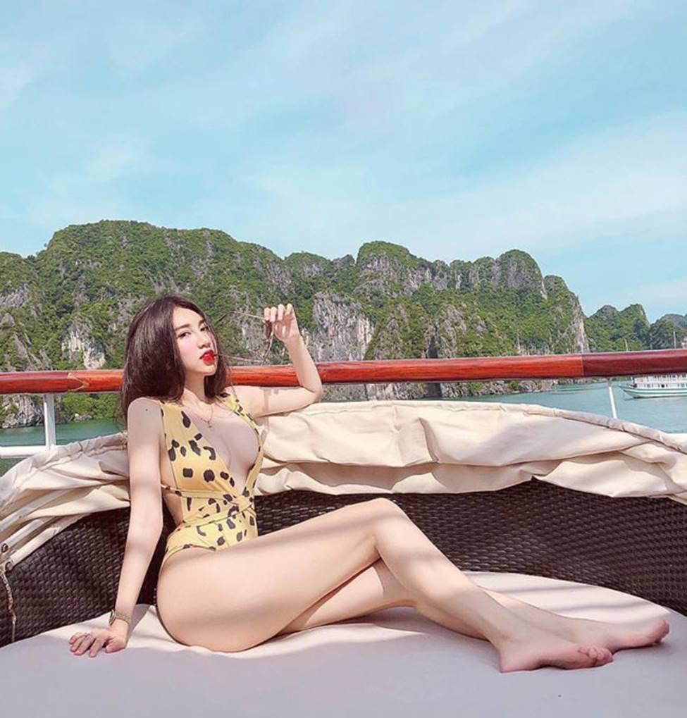 Hot girl Đà Nẵng và cô em út họ Hồ đẹp xuất sắc với bikini-16