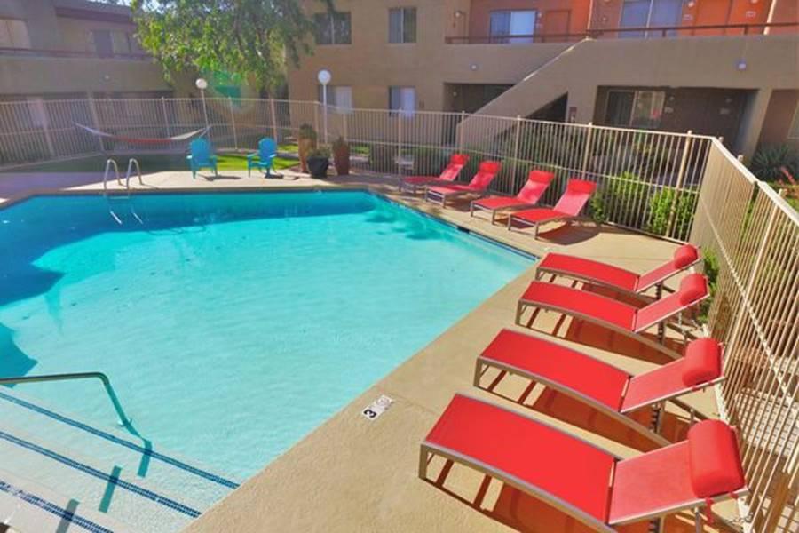 Ký túc xá nước nhà người ta: Xịn như khách sạn 5 sao, có đầy đủ sân thượng, bể bơi, giá thuê lên đến 17 triệu/tháng-25