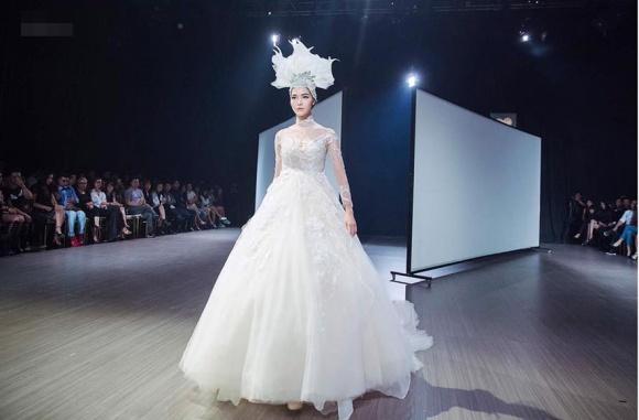 Cuộc sống lặng đến khó hiểu của Thùy Dung sau 10 năm đăng quang Hoa hậu Việt Nam-25