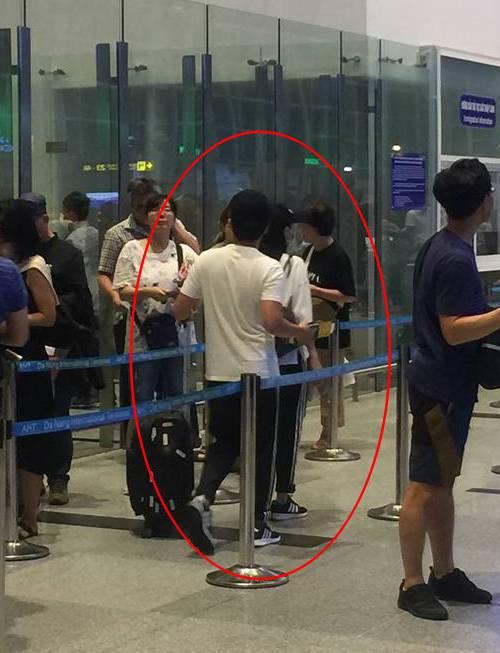 Vợ chồng Trường Giang - Nhã Phương bị bắt gặp ở sân bay, chuẩn bị đi nước ngoài hưởng tuần trăng mật?-1