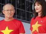 Trận đấu tập đầu tiên của ĐT Việt Nam tại Hàn Quốc: Thủ môn đội bạn dính thẻ đỏ, HLV Park Hang-seo xin cho tiếp tục thi đấu-2
