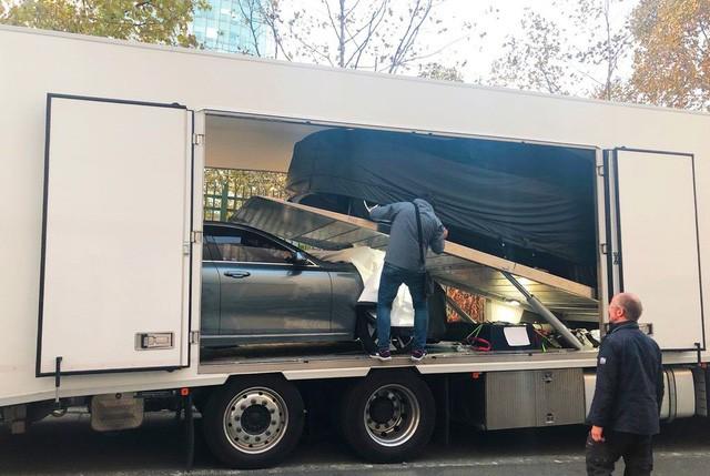 """Chùm ảnh và clip: Cận cảnh 2 xe VinFast bằng xương bằng thịt"""" được vận chuyển tới Paris Motor Show-4"""