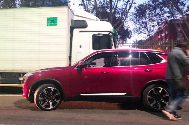 """Chùm ảnh và clip: Cận cảnh 2 xe VinFast bằng xương bằng thịt"""" được vận chuyển tới Paris Motor Show-8"""