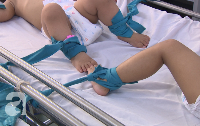 """Chưa hết lo dịch tay chân miệng, hàng loạt bà mẹ ở Đồng Nai đã hại con"""" mắc bệnh sởi nặng vì quên tiêm vắc xin-6"""