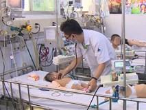 """Chưa hết lo dịch tay chân miệng, hàng loạt bà mẹ ở Đồng Nai đã """"hại con"""" mắc bệnh sởi nặng vì quên tiêm vắc xin"""