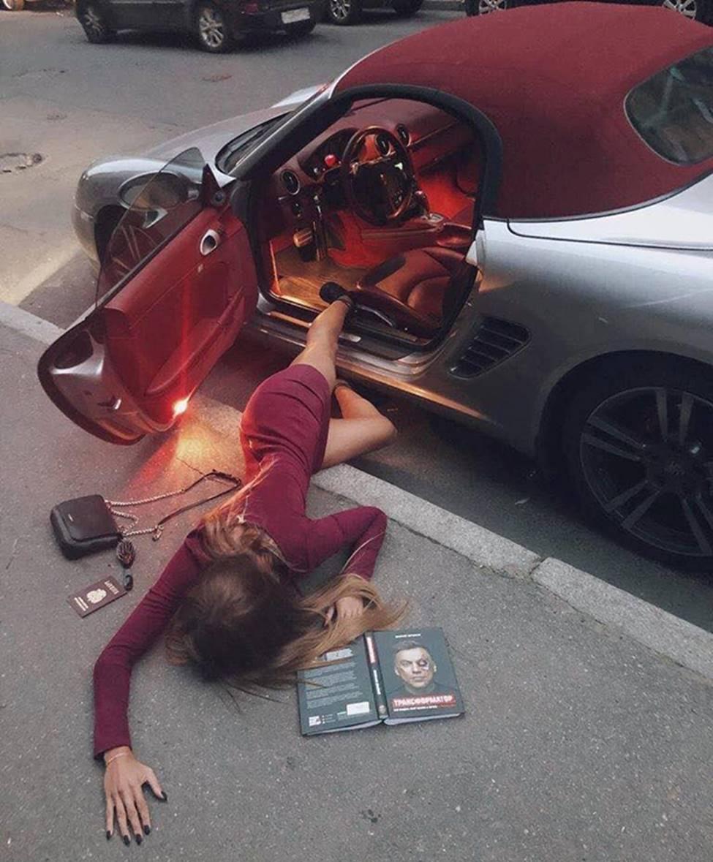 Sốc với trào lưu ngã sấp mặt từ ô tô của hội gái xinh-6
