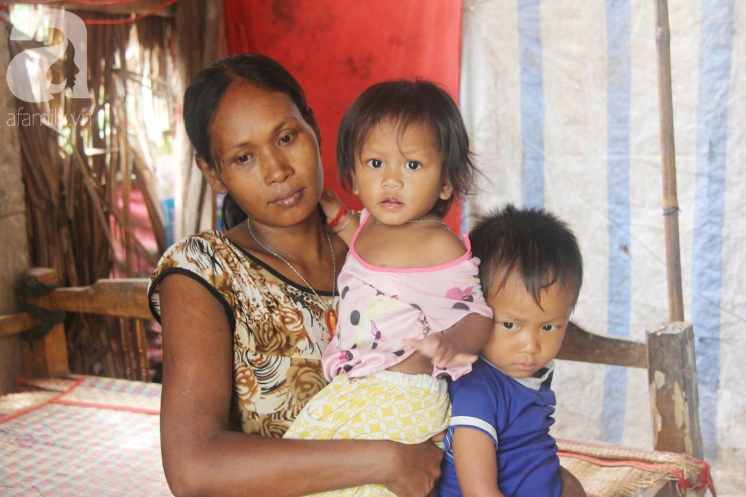 Hai lần đẻ rớt tại nhà, 4 đứa trẻ đói ăn bên người mẹ bầu 8 tháng không thể mượn được 500 ngàn để đi bệnh viện-4