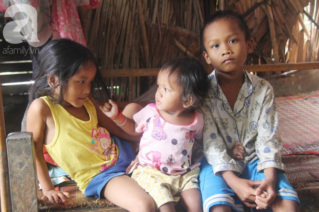 Hai lần đẻ rớt tại nhà, 4 đứa trẻ đói ăn bên người mẹ bầu 8 tháng không thể mượn được 500 ngàn để đi bệnh viện-5