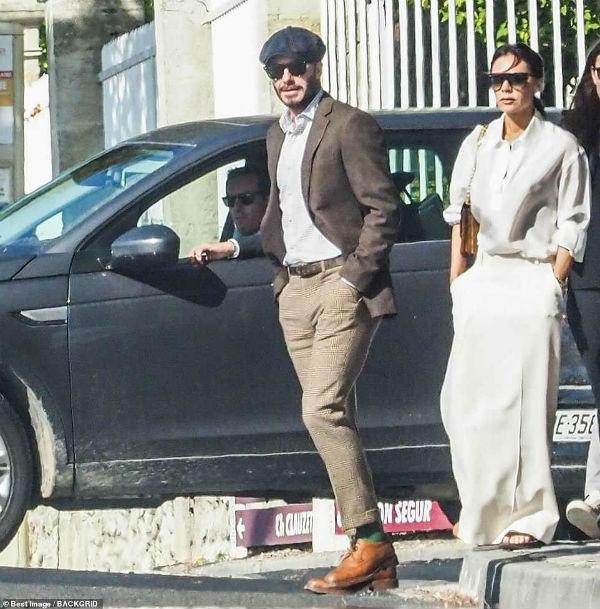 Bị chỉ trích khi thoát án phạt lái xe quá tốc độc, David Beckham vẫn vui vẻ cùng vợ vi vu Pháp với bạn bè-5
