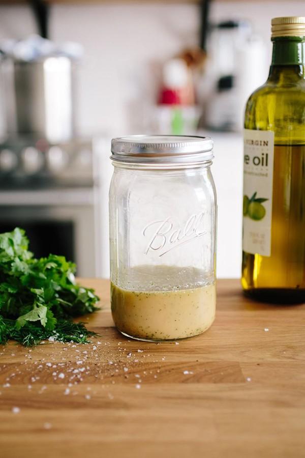 Có 2 công thức làm xốt salad này bạn tha hồ ăn salad cả tuần không chán-1
