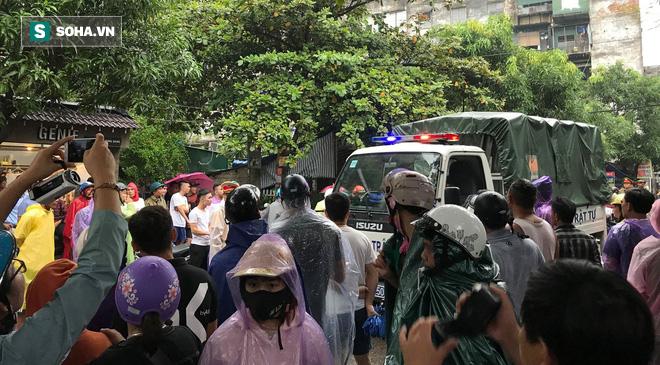 Nóng: Cảnh sát dùng súng bắn tỉa vây bắt đối tượng hình sự cố thủ trong nhà ở Nghệ An-2