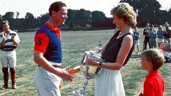 3 câu nói hắt nước đổ đi của Thái tử Charles khiến Công nương Diana đau đớn thú nhận lúc đó tôi biết mọi hy vọng đã khép lại-2