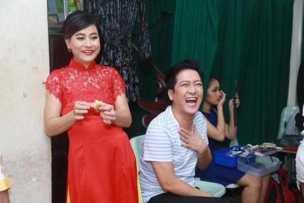 Vì sao Việt Hương, Cát Phượng, Lâm Vỹ Dạ không có mặt trong đám cưới Trường Giang?-5