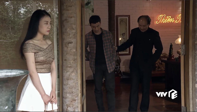"""Nhờ Quỳnh Búp Bê mà các shop online thi nhau đắt hàng mẫu áo hot hit"""" này-4"""