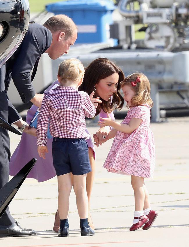 Đây là việc Công nương Kate Middleton luôn làm mỗi khi con mè nheo, cáu gắt và nó thực sự hiệu quả-11
