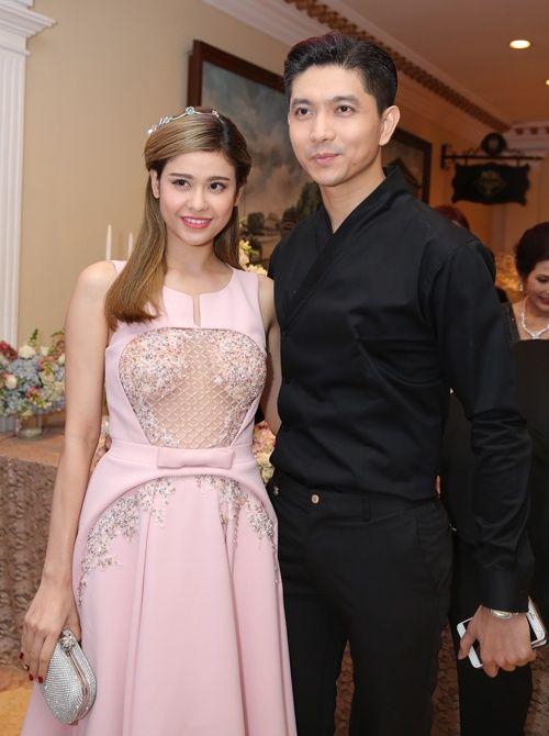 Chỉ là đi dự tiệc cưới thôi, nhiều sao Việt bị chỉ trích vì vô tâm lên đồ lấn lướt cả cô dâu - chú rể-11