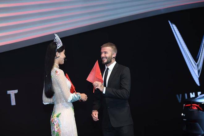 Những lần David Beckham gây bão khi sánh vai bên các mỹ nhân Việt đình đám-3