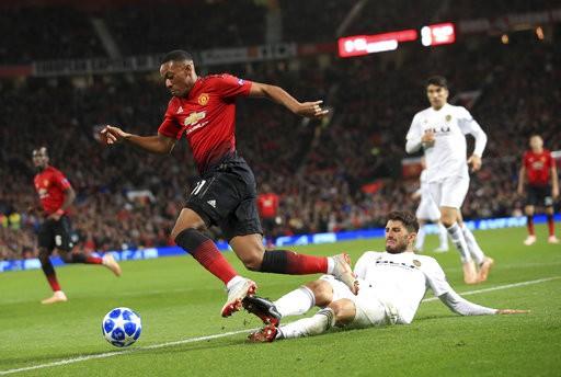 Man Utd chia điểm trong trận cầu không bàn thắng trước Valencia-3