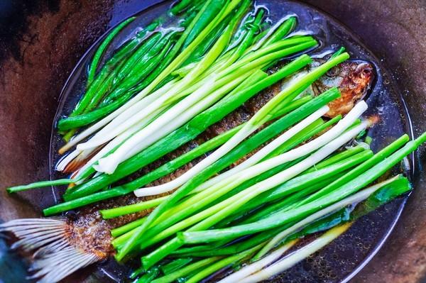 Từ khi được đầu bếp chỉ giáo, tôi có thêm bí kíp làm món cá chép ngon đến không ngờ này mà cách làm lại vô cùng đơn giản-7