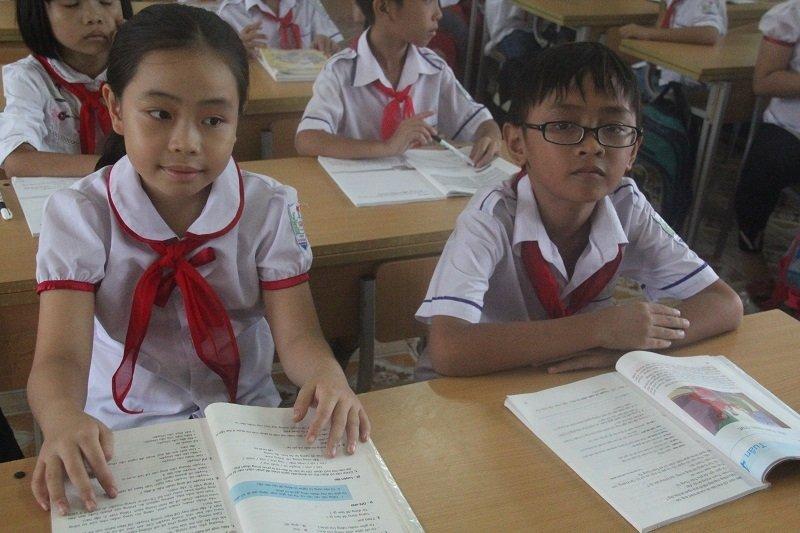 Gặp 2 học trò quê nói tiếng Anh nức lòng mạng xã hội-1