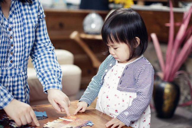 Bố mẹ chẳng cần làm gì nhiều, chỉ dạy con được 3 điều này thì dù đứa nào nhút nhát cũng sẽ trở nên tài giỏi hơn người-1