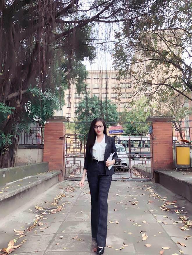 Phong cách gợi cảm của nữ giảng viên ĐH Quốc Gia sẵn sàng chia tay khi đã dạm ngõ-16