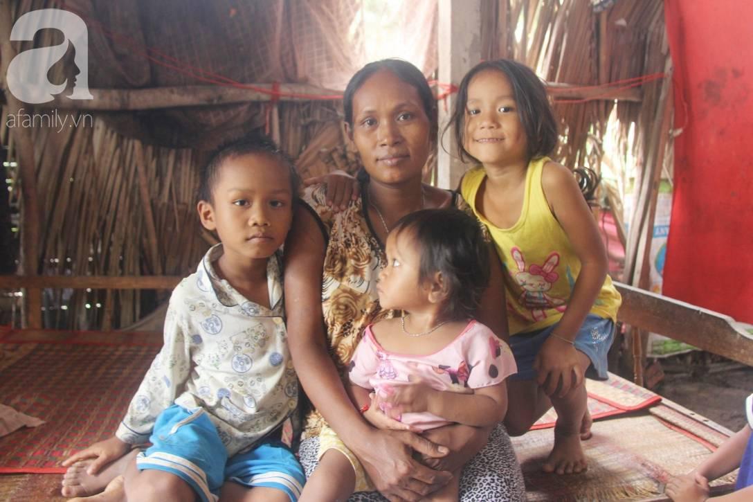 Bị chỉ trích vì nhà nghèo lại đẻ quá nhiều con, mẹ bầu 8 tháng cho biết sẽ triệt sản sau khi sinh em bé-1