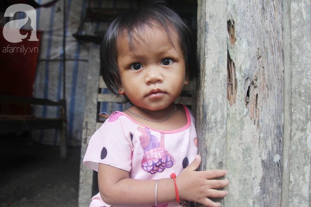 Bị chỉ trích vì nhà nghèo lại đẻ quá nhiều con, mẹ bầu 8 tháng cho biết sẽ triệt sản sau khi sinh em bé-3