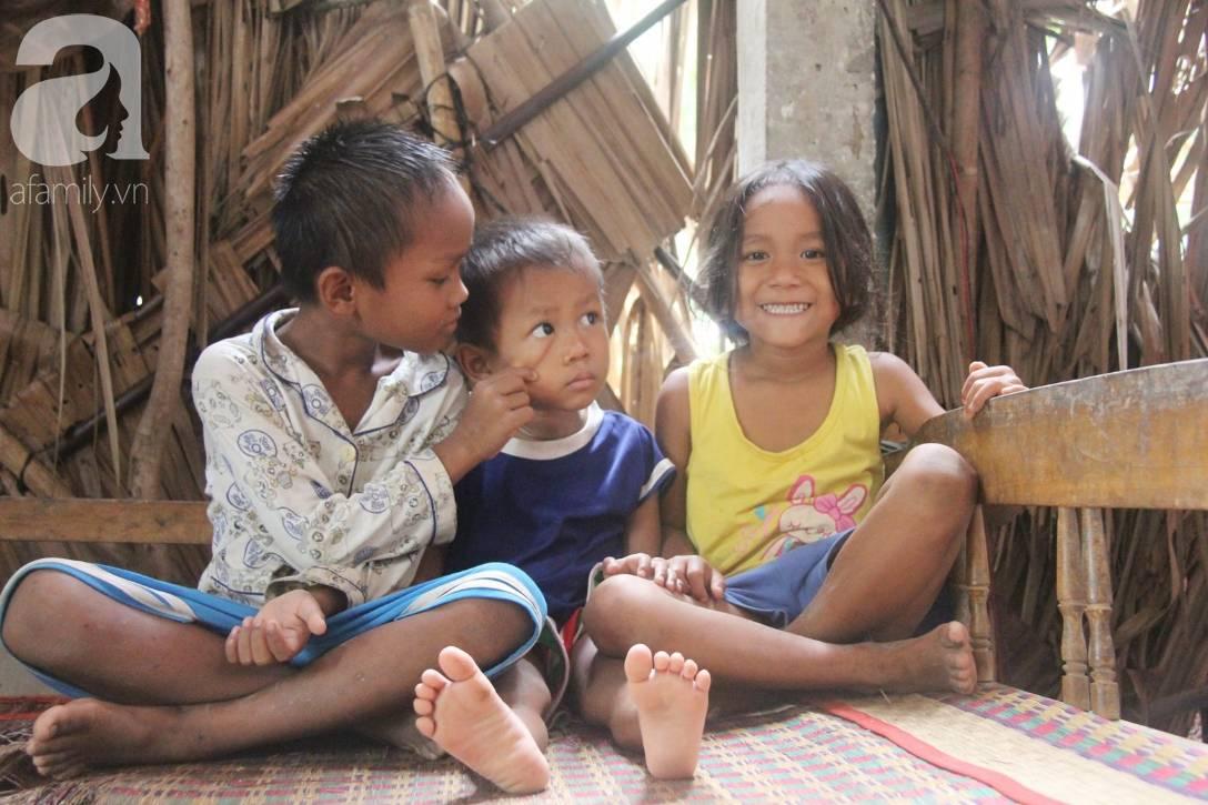 Bị chỉ trích vì nhà nghèo lại đẻ quá nhiều con, mẹ bầu 8 tháng cho biết sẽ triệt sản sau khi sinh em bé-7