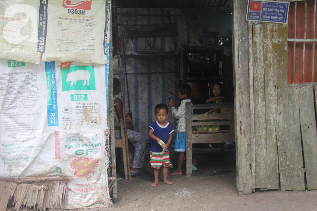 Bị chỉ trích vì nhà nghèo lại đẻ quá nhiều con, mẹ bầu 8 tháng cho biết sẽ triệt sản sau khi sinh em bé-10