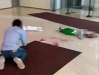 Bế cả hai con, bố để con trượt khỏi tay rơi từ tầng 4 trung tâm thương mại xuống tử vong