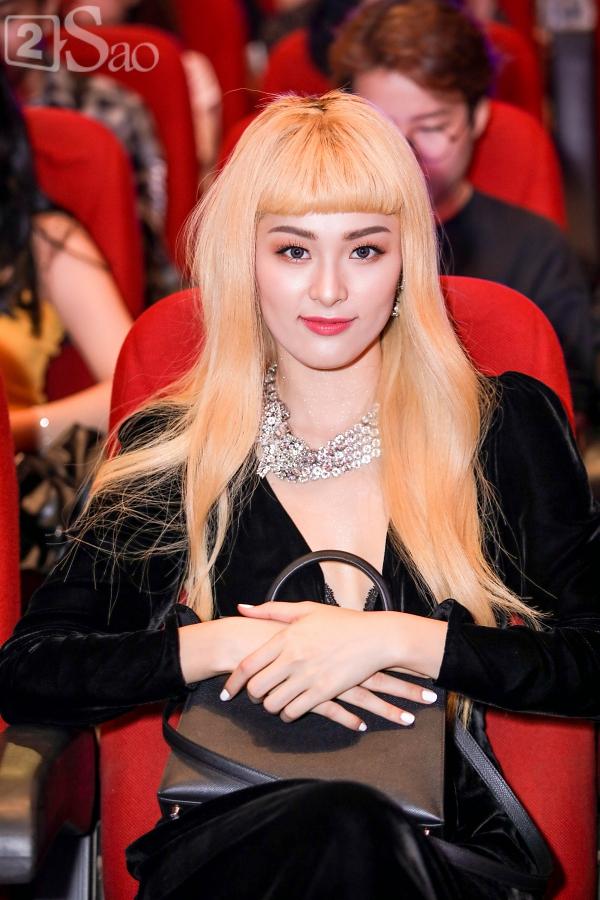 Sao Việt nhuộm tóc vàng bạch kim: Người lột xác cá tính - kẻ khiến fan than trời-9