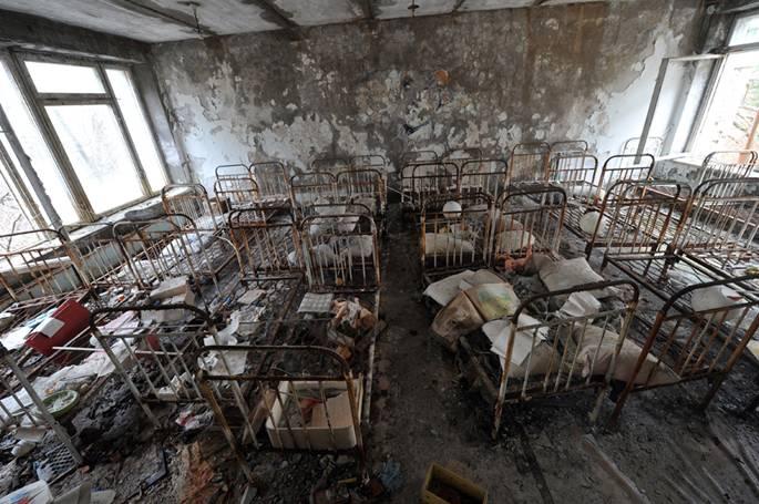 Hình ảnh đầy ám ảnh về những bệnh viện ma bỏ hoang khắp thế giới-14