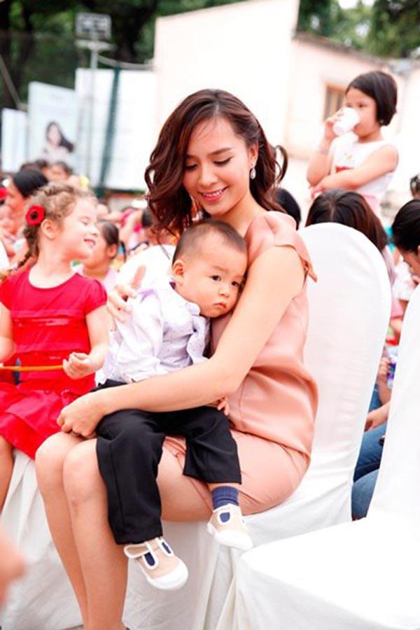 Bước chân vào danh gia vọng tộc, Lan Khuê sẽ phải kính nể người phụ nữ hơn 3 tuổi nhưng quyền lực nhất nhì gia tộc-3