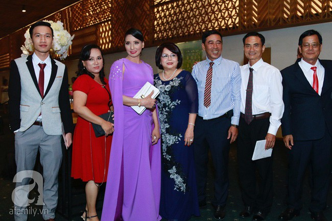 Mẹ ruột Lan Khuê gây ngỡ ngàng với nhan sắc và vóc dáng đẹp như Hoa hậu-3