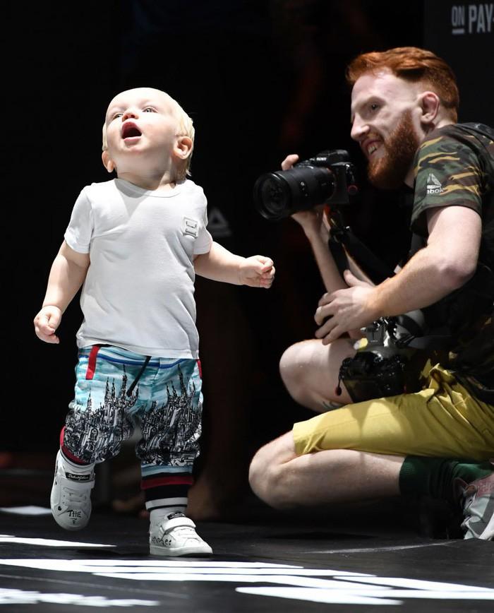 Bặm trợn, đầu gấu nhưng Gã điên Conor McGregor lại có một cậu quý tử đáng yêu hết cỡ-3
