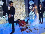 Clip: Lan Khuê diện váy siêu sexy, cùng chú rể John Tuấn Nguyễn khiêu vũ khuấy động hôn lễ-3