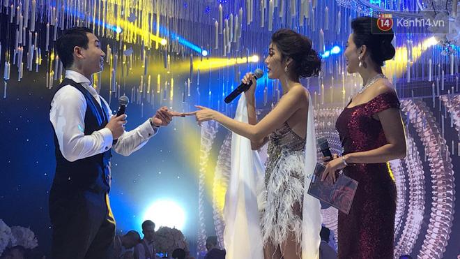 Clip: Lan Khuê diện váy siêu sexy, cùng chú rể John Tuấn Nguyễn khiêu vũ khuấy động hôn lễ-2