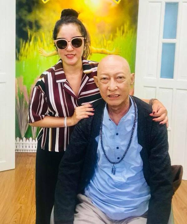 Xót xa với hình ảnh gầy gò của nghệ sĩ Lê Bình sau khi điều trị ung thư-3