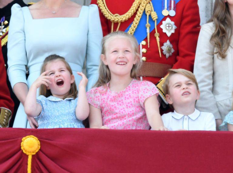 Chỉ một hành động nhỏ nhưng các mẹ sẽ học được 2 chiến thuật xử lý cơn ăn vạ của con giữa chốn đông người từ Công nương Kate Middleton-1