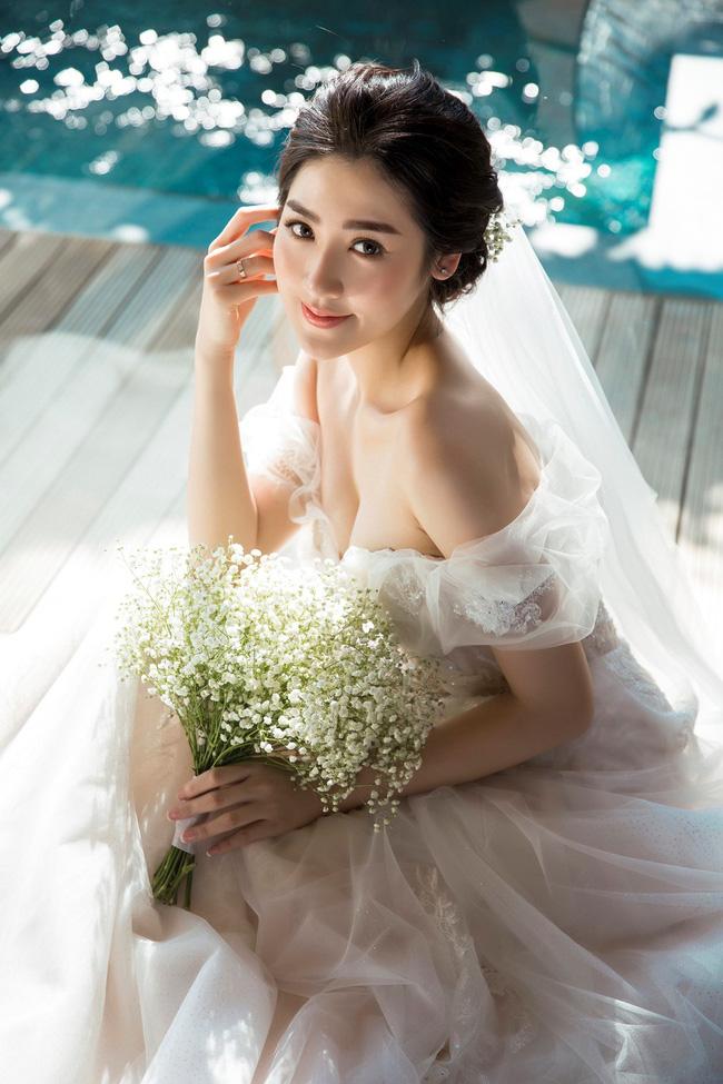 4 cô dâu đẹp nhất Vbiz năm 2018: Mỗi người một vẻ nhưng vẫn có điểm chung nhan sắc, tinh ý một chút là nhận ra ngay-11