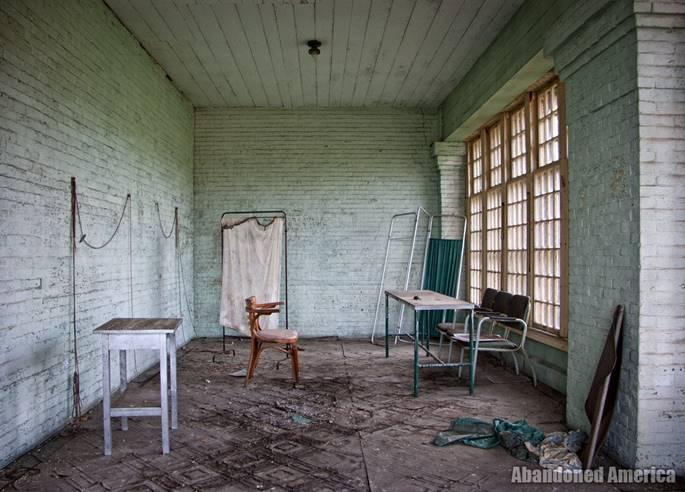 Bệnh viện tâm thần 'ma ám' ở Mỹ và chuyện có thật về nữ y tá giết người hàng loạt-7