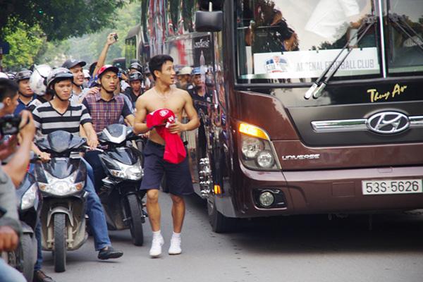Sau 5 năm, cuộc sống của hiện tượng Running man Vũ Xuân Tiến thay đổi không ngờ-1