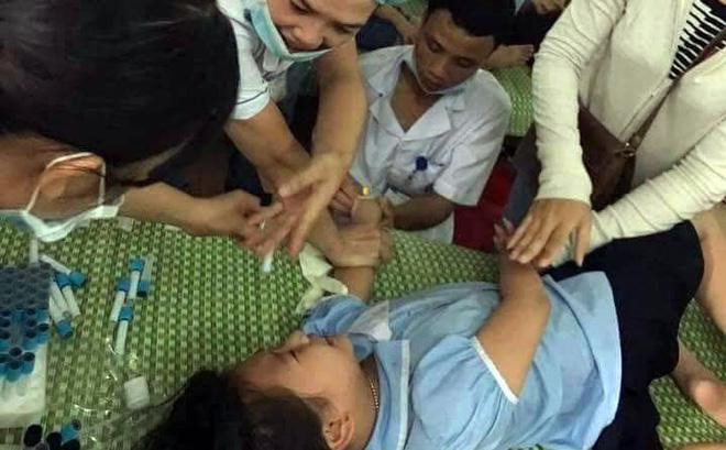 Hơn 250 học sinh tiểu học nhập viện nghi ngộ độc-1
