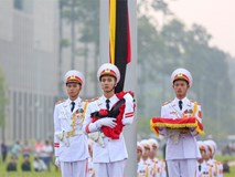 Quảng trường Ba Đình treo cờ rủ Quốc tang nguyên Tổng Bí thư Đỗ Mười