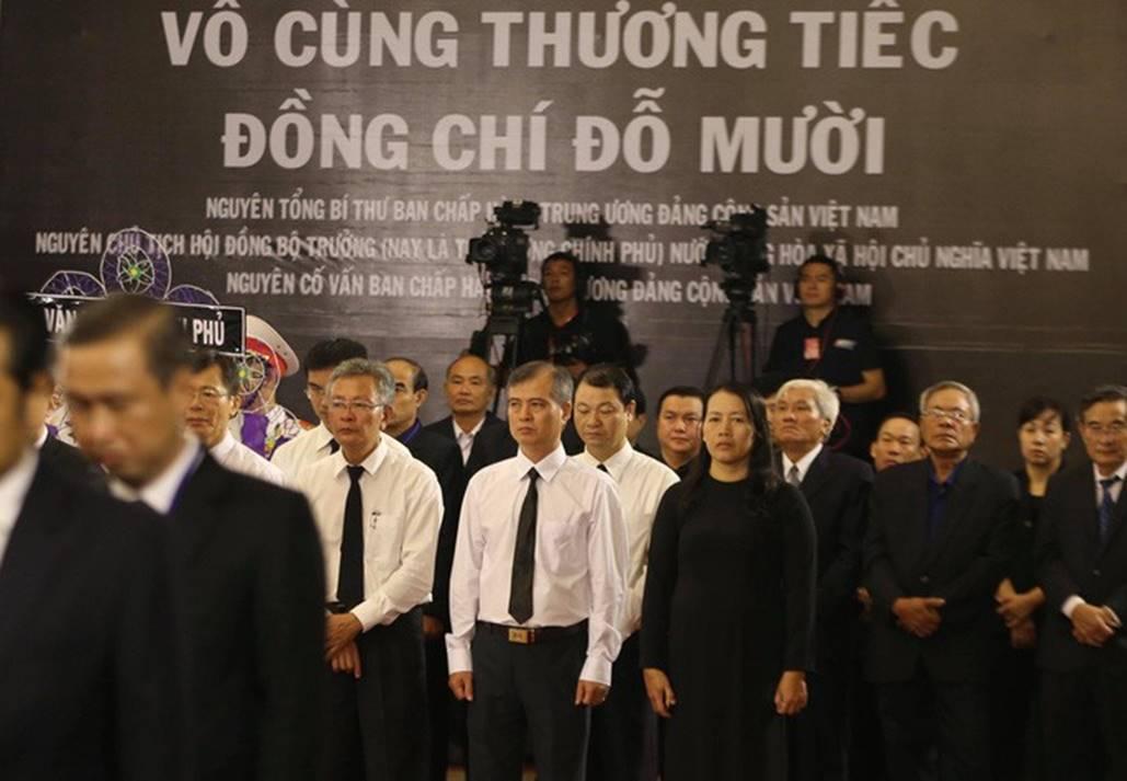 Xúc động lễ viếng nguyên Tổng Bí thư Đỗ Mười tại TP HCM-7