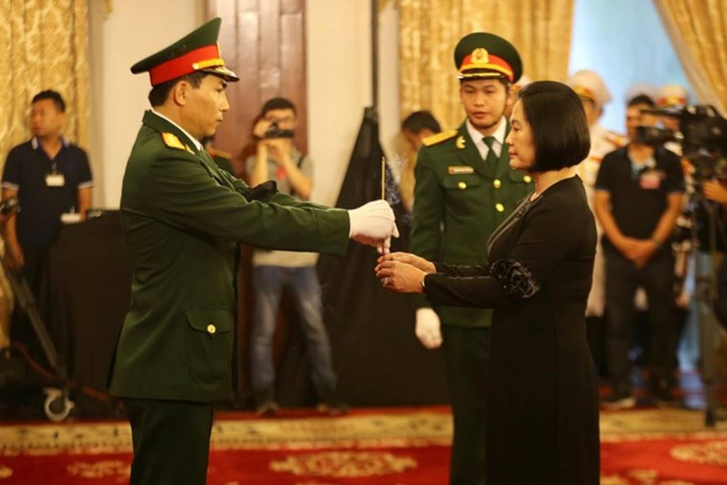 Xúc động lễ viếng nguyên Tổng Bí thư Đỗ Mười tại TP HCM-9